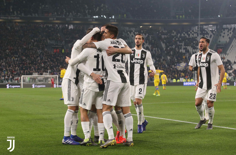 Stephan Lichtsteiner Yakin Juventus Bisa Juarai Liga Champions